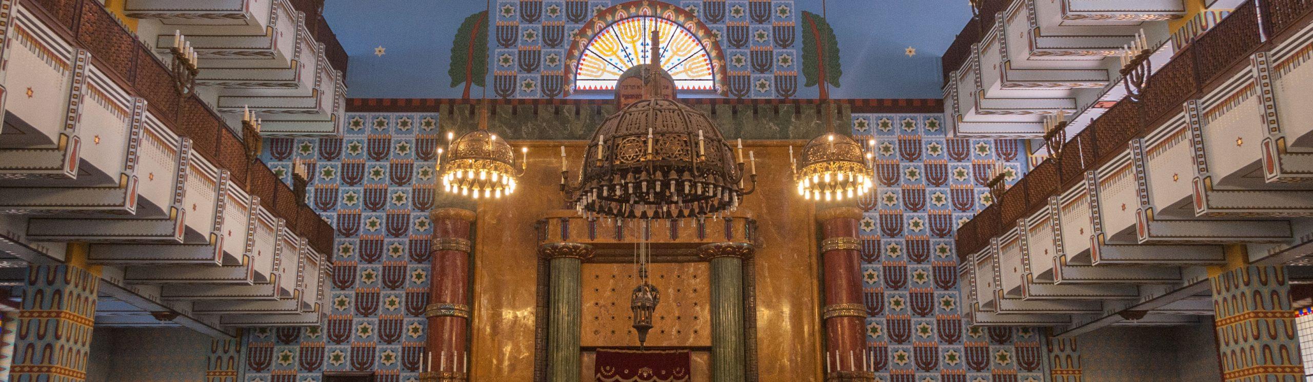 synagogue-zsido-negyed-tura-jewish-tour