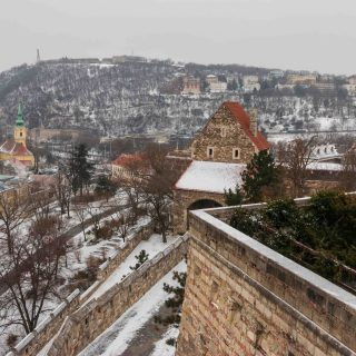Off the beaten track Buda Castle live streaming tour