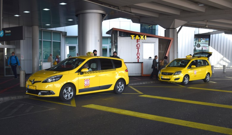 behind_budapest_budapest_airport_fotaxi_booth