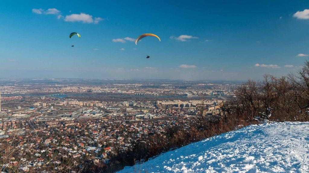 paragliders-harmashatarhegy-budapest